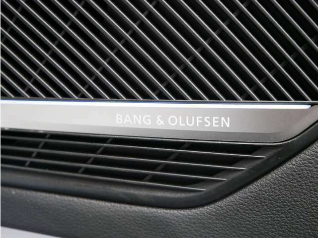 クリアなサウンドと美しいデザインで人気を集めるデンマークの高級オーディオブランド「バング&オルフセン」。14スピーカーとトータル705Wのパワーアンプが奏でる魅惑のサウンドが楽しめます。