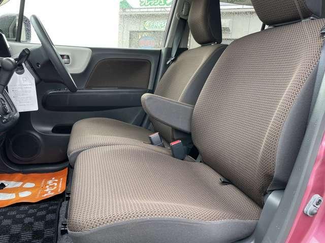 広々とした運転席です。来て見て、触って、乗り心地お確かめください!