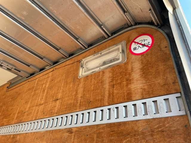 お車納車後の修理や鈑金塗装もお任せ下さい!良質な社外新品やリビルトパーツを使い安心な事前見積を行います!是非ご利用下さい!
