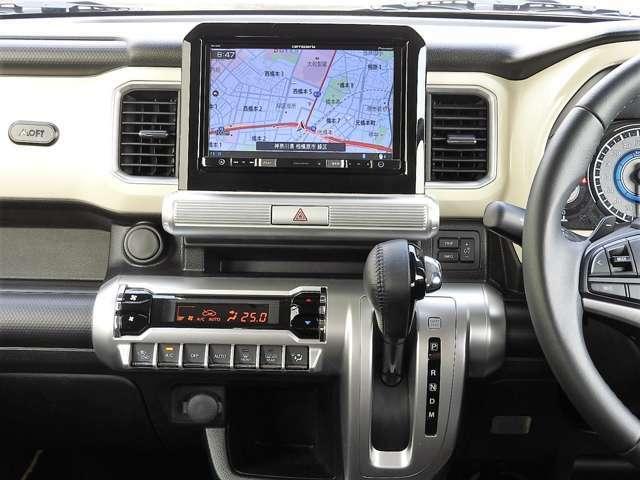 ♪視認性、操作性にも優れ、運転席と助手席の足元が広く使えるインパネシフトです♪