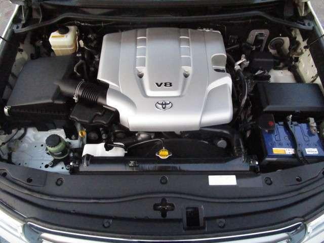 4700ccの大排気量!エンジンルームもクリーニング済み♪もちろん整備後の御納車となります!専門店ならではの豊富な知識と経験でキッチリと仕上げますよ☆