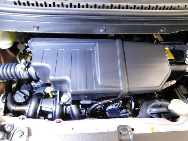 エンジンルームもしっかり洗浄しています。エンジンルームも覗いてください。