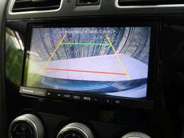 【バックカメラ】が装備されております。カラーで見やすいためお車を初めて運転されるかたやバック操作が苦手のお客様にはオススメの装備ですね☆