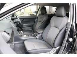 運転席は手動で高さ調整が可能♪ ご家族で共用される場合などに便利です