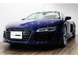正規ディーラー車 Audi R8スパイダー 右ハンドル エストリルブルークリスタルエフェクト/ベージュ×ブラック2トーンレザー