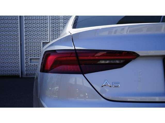 Audi正規ディーラーのメカニックは、全員がさまざまなテクニカルトレーニングを習得。多くのスタッフがドイツ本国のAUDI AGが認定する資格を有しています。