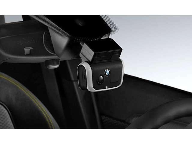 Bプラン画像:ドライブレコーダー取付プランです。万が一の事故の際の走行記録はもちろんのこと、ドライブの思い出を記録したりとより素敵なカーライフをお過ごし頂けます♪♪