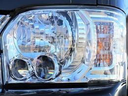 メーカーオプションで、LEDヘッドランプが装備されています!