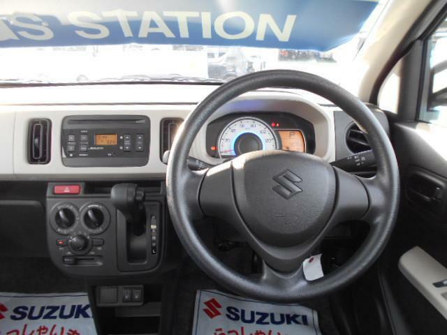 シンプルなパワステアリングハンドルでドライブも快適です!