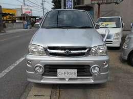正面からの画像です。ヘッドライト、グリル、割れなどはありません。ボンネットもキレイです。   愛知 大治 格安 軽四 軽自動車 安い 中古車 ジーフリー G-FREE
