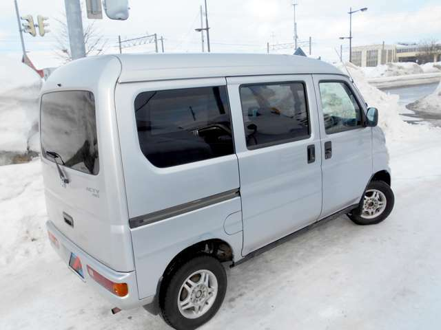 当店でお車ご購入のお客様に限り、新品夏タイヤor冬タイヤ(お好きな方)&アルミセットを50000円でご提供致します。