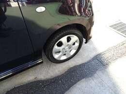 純正14インチアルミホイール!タイヤの残り溝も十分です!