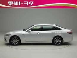 『認定中古車』は、「まるごとクリーニング」で綺麗な内外装、「車両検査証」はプロによるチェック、買ってからも安心の「ロングラン保証」、3つの安心安全を標準装備したトヨタのブランドU-Carです。