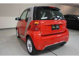電気だけで走るCO2排出量・排出ガスゼロのエコカー。
