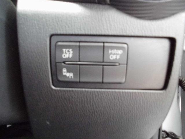 信号待ちなどで無駄なガソリンを節約するi-stopはもちろん、TCS(トラクションコントロールシステム)&DSC(横滑り防止機構)やBSM(隣車線上の側・後方からの車両接近を通知)で安全運転をサポート!