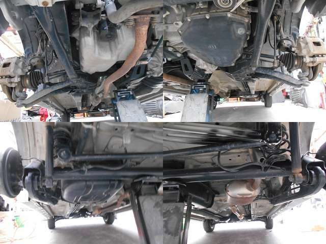 当店では全車、下回りの防錆塗装を施工しています。またエンジンオイル・オイルエレメントの交換も全車行い納車させて頂きいていますのでご安心くださいませ。詳しくはお気軽にお問合せ下さいませ。