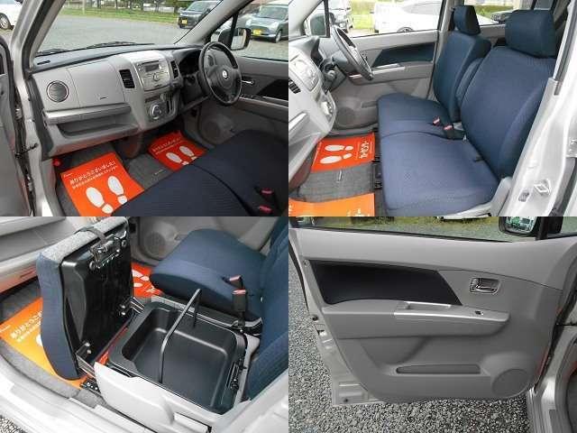 助手席下には大きい収納があります。持ち運び可能です。靴やカバンなどすっぽり入る大きさです。エコカゴにもなりそうです。
