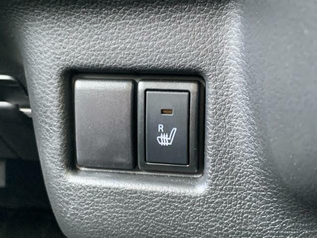 運転席にはシートヒーターを搭載☆寒い冬はシートがほっかほか♪