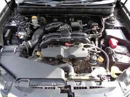 2500CCの調子の良いエンジンです!後期型から採用されているFB25エンジン、タイミングチェーンのお車ですので10万キロごとの交換も不要です♪