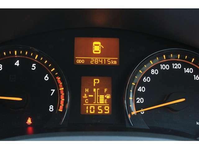 28415キロ!当店のお車は全車走行メーター管理システムによる走行距離チェック通過済みです!メーター改ざん車は販売致しませんのでご安心下さい!