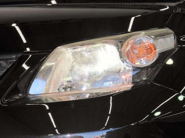 夜のドライブにはとても便利なHID。通常のハロゲンよりも約3倍くらい明るいとされていますので、安全性も向上します。さらに青白い光で見た目もカッコよく、ナイトドライブが楽しくなりそうです。