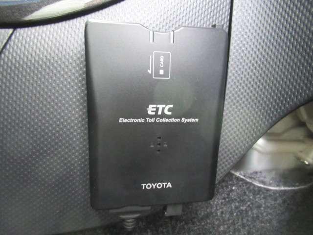 こちらのイストにはETCも付いています。インターチェンジもスイスイです。ETCカードの準備も忘れずに。