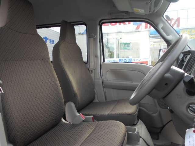 運転席&助手席シートです。