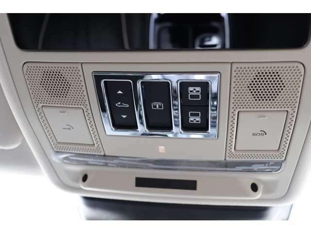 メーカーオプション「Incontrolアプリ」(¥36,000)。「Incontrolコネクトプロパック」(¥58,000)。「Incontrolセキュリティ」(¥97,000)。