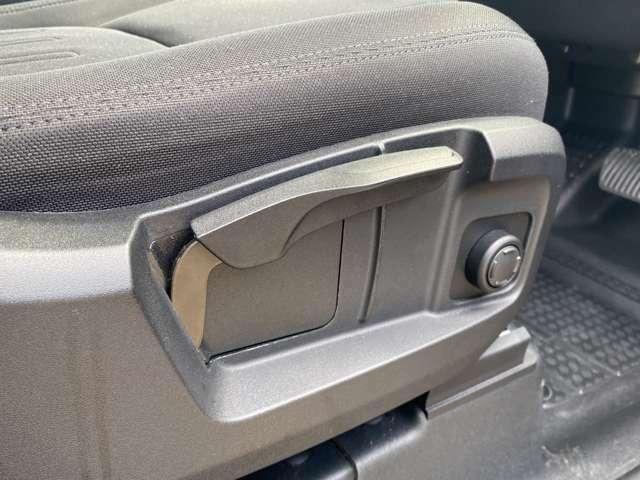 運転席助手席一部がパワーシートとなっております。