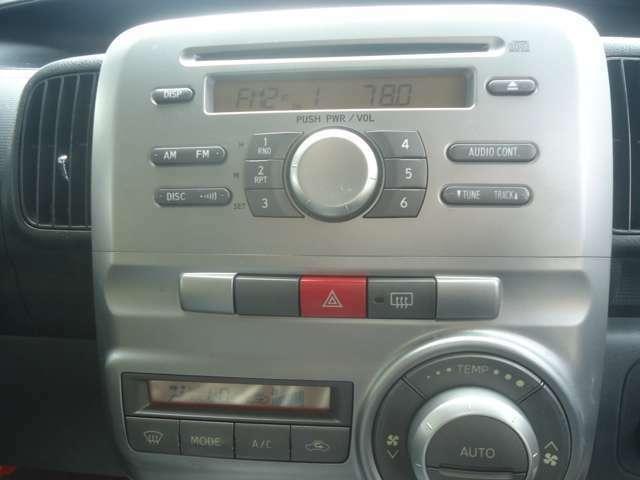 純正CDデッキ装備です。