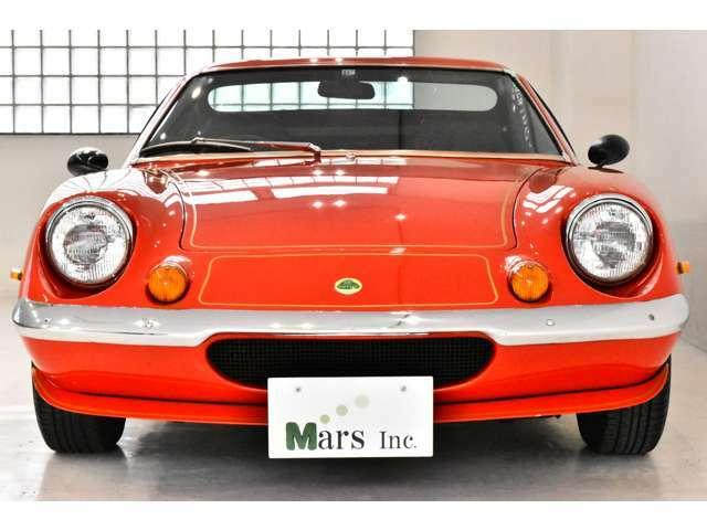レッドソリッド(ゴールドストライプ)/ブラックレザー、5速MT、ヨーロッパモデル、右ハンドル、整備記録&明細多数、スペアキー、(JAAA車両状態評価書あり)修復歴なし、1975年最終モデル(平成2年登録・中古並行)