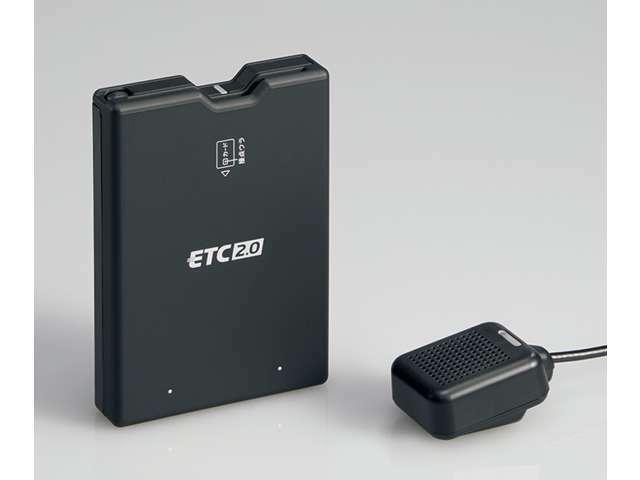 Bプラン画像:基本プランのETC車載器を、純正ナビ連動タイプのETC2.0車載器に変更します。ナビ画面と音声で料金を案内。ナビ画面で履歴確認もできます。
