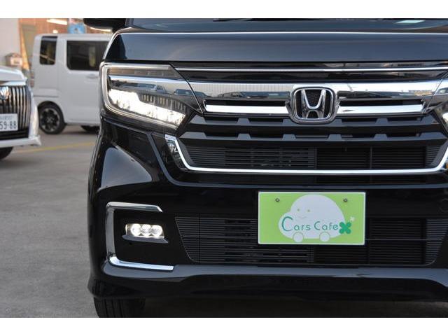 9灯式フルLEDヘッドライト+シーケンシャルターンシグナルランプ(流れるウインカー)装備です!LEDフォグライトも付いて、夜道も見やすく安心ドライブを^^