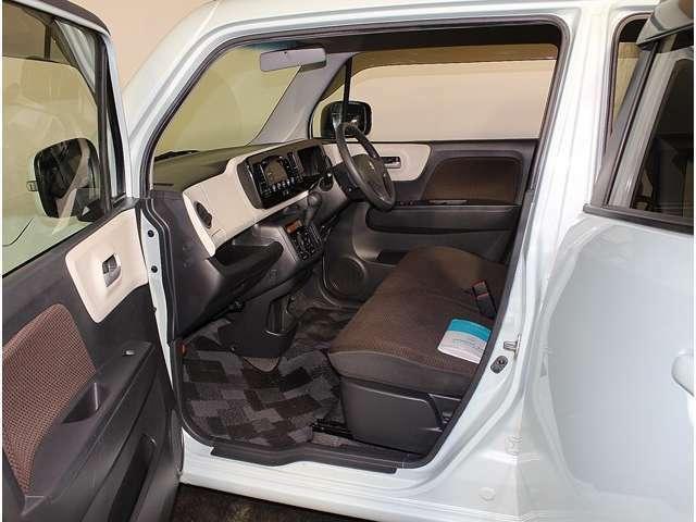 AISとは、外装、内装、エンジン等の機関系、324項目に及ぶ車輌状態の検査をして車の品質を「中古車検査品質基準」です。買って安心、乗って安心!!AISライセンス取得者在籍店です