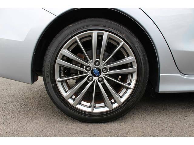 「交通事故ゼロ」を目指して進化したアイサイトがドライブの安心と愉しさをさらに深めます。