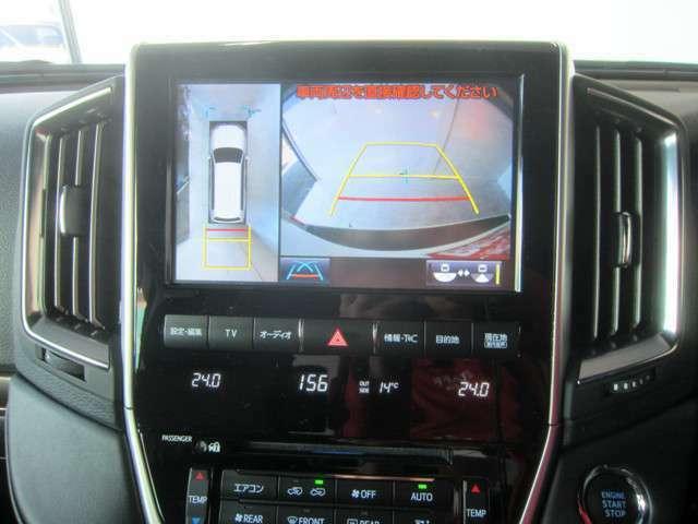 SDナビ専用のマルチテレインモニター搭載♪ドライバーに見えない死角もサポートしてくれます♪コーナーセンサーもついてさらに安心♪