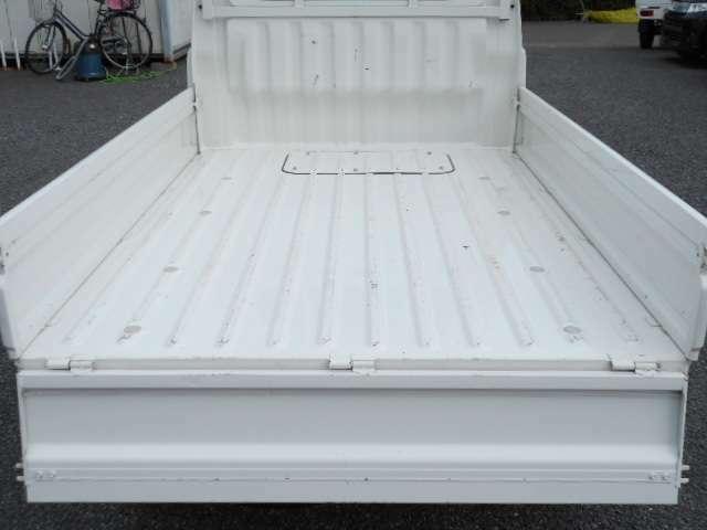 荷台部分も凹みやサビなどなくきれいな状態に保たれてます。