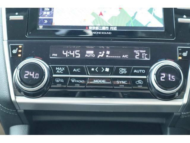左右独立温度調整可能なオートエアコンで助手席も快適です♪前席シートヒータースイッチもこちらにございます!