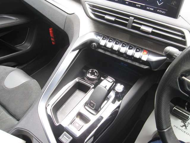 グリップコントロール&オールシーズンタイヤ標準装備!