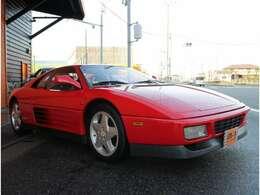 赤い跳ね馬フェラーリ!ボディーカラーは人気のフェラーリレッド、ロッソコルサです!フェラーリリトラライトが魅力的です!走行距離10200km程度良好です!