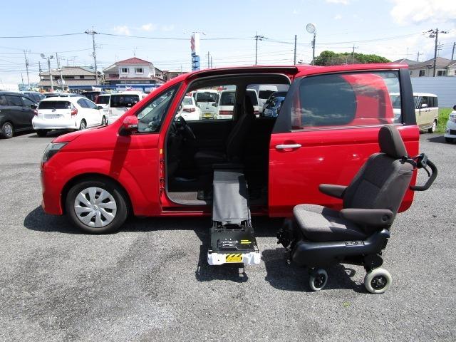 スーパーレッドV  ウエルキャブ サイドアクセス車 Aタイプ 脱着シート仕様で、車両本体消費税非課税車です。 希少車ですので早い者勝ち
