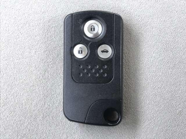 スマートキーです!ドアの施錠・解錠・エンジンの始動がスムーズで大変便利です!