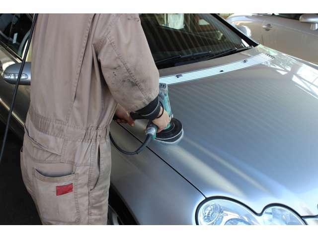 Bプラン画像:エシュロンリアルガラスコートを施工するとクルマが生まれ変わったように綺麗になり洗車も水洗いだけで楽にすみます。ぜひその目で効果を体感してください