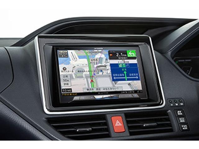 Bプラン画像:モニターサイズは人気の大画面8インチモニターに車種専用取付キットを使用し違和感のない取付が可能です。(※画像は取付例です)