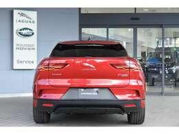 リアスタイルは、SUVの特徴であるヒップアップなデザインになっています。