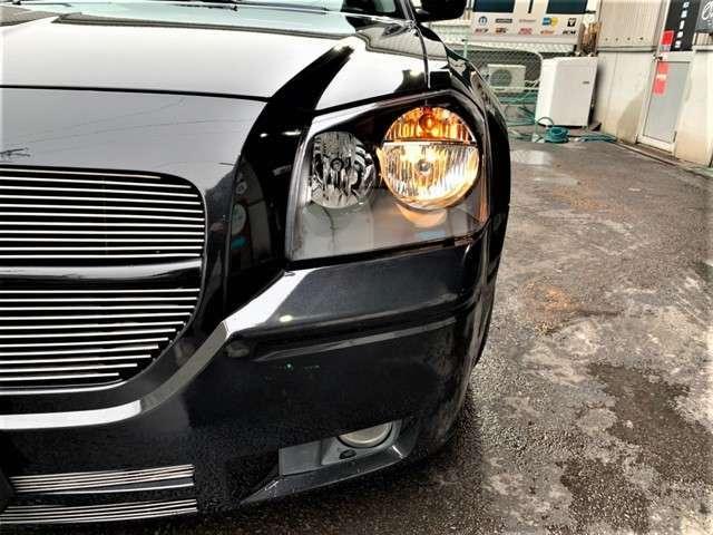 ヘッドライトは新品にインナーブラックのタイプに交換済みです。