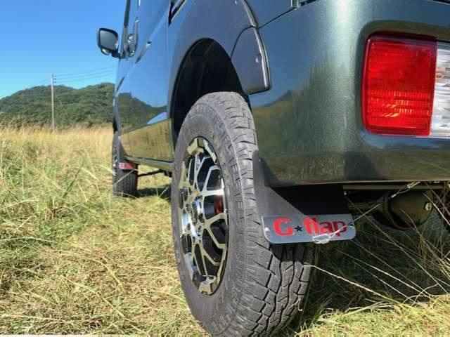 G☆flap製マッドガード!タイヤがいっぱいいっぱいなので、ワイヤーで引っ張り加工も施しております!