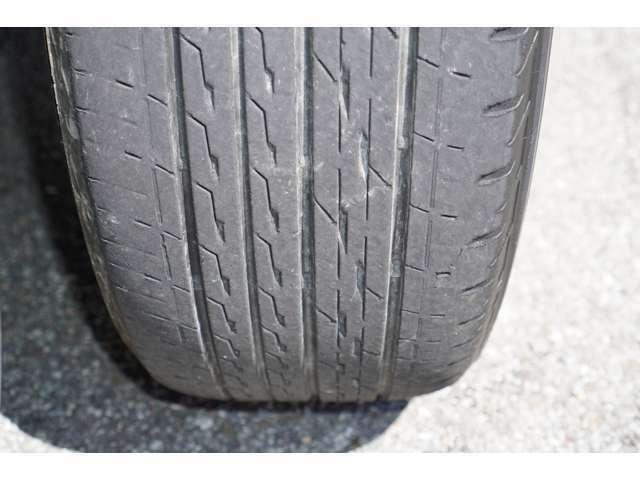 タイヤ溝はまだまだございます♪