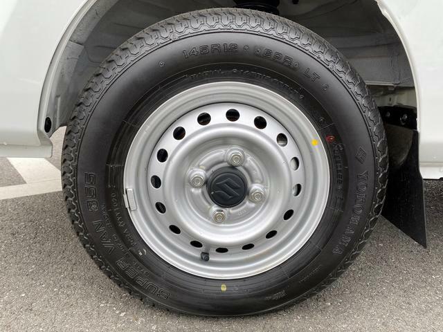 [タイヤ]タイヤの溝もばっちり残っています☆山は、ほぼ10分残っています!もちろん、点検・整備も行っていますので、安心してお乗りいただけます。タイヤ交換の時期は、是非ご相談ください!
