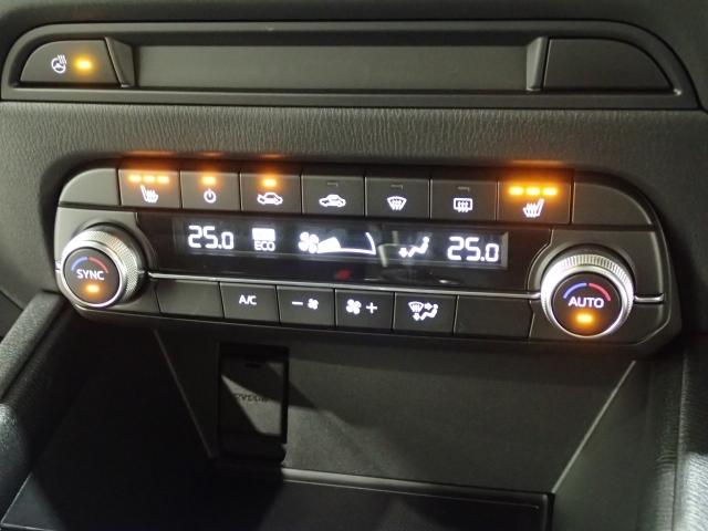 寒い時期に役に立つシートヒーターとステアリングヒーター付です!!